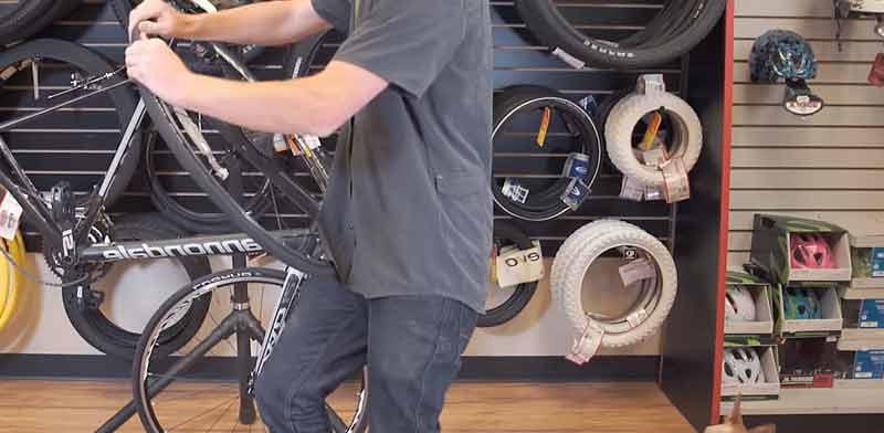 How to Change a Bike Tube Make It Easy