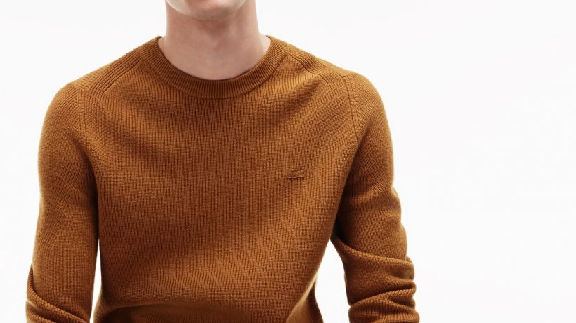 V neck or crew neck: The difference and what to wear with them
